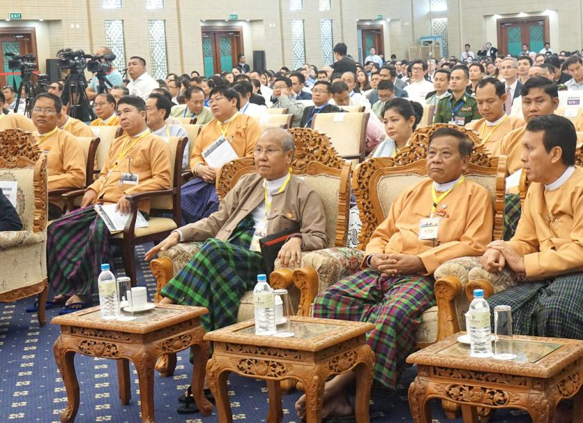 States and Regions Government perused local and foreign investors at Myanmar Global Investment Forum 2019 in Nay Pyi Taw