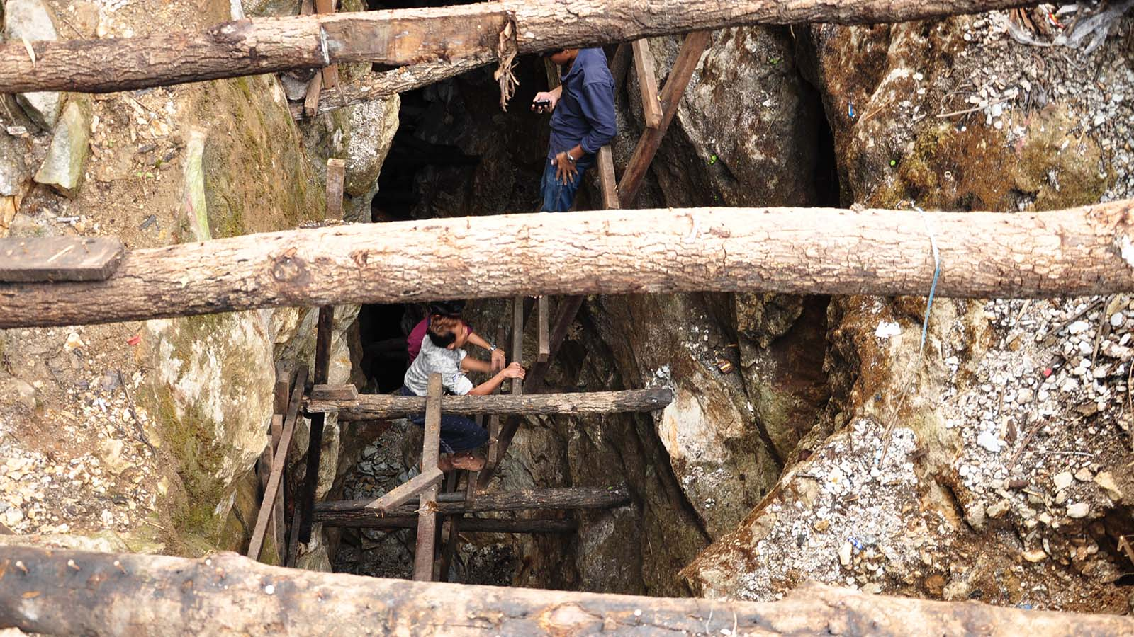 Mandalay Region's Department of Mines granted to permit artisanal and small-scale mining business in order to reduce illegal mining and create jobs for locals