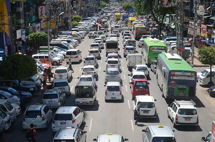 Due to the increasing number of unlicensed vehicles, the regional government authorities drafted a new car import policy on the issuance of car licenses in Yangon